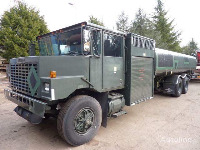 бензовоз Oshkosh aircraft refueler