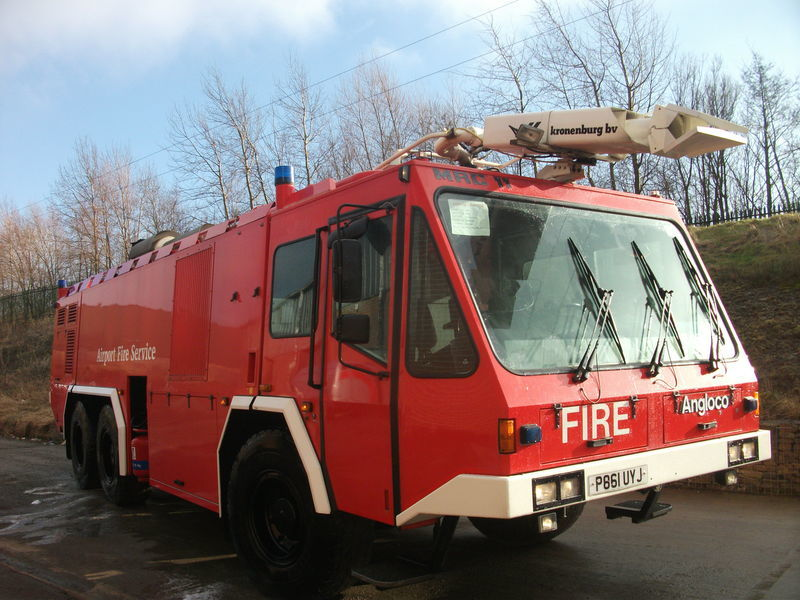 пожарная машина ## FOR HIRE # ANGLOCO AIRPORT FIRE FIGHTING VEHICLE / KRONENBURG