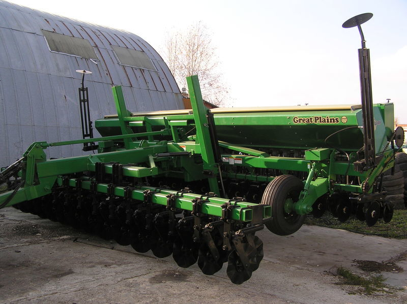 сеялка механическая GREAT PLAINS CPH - 2000 6 м зерновая  с внесением сухих минеральных удобрений