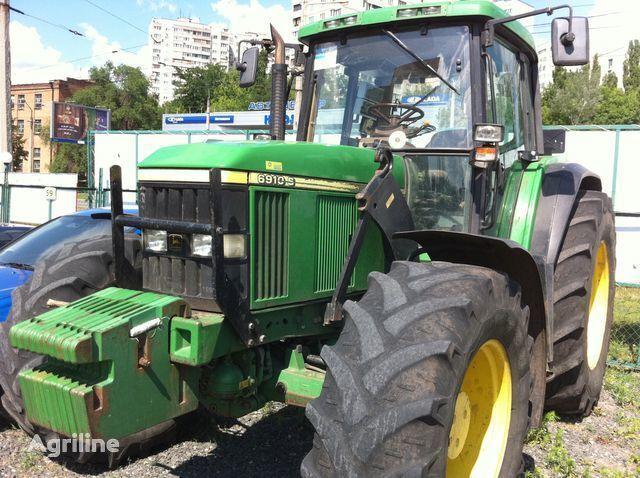 трактор колесный JOHN DEERE 6910