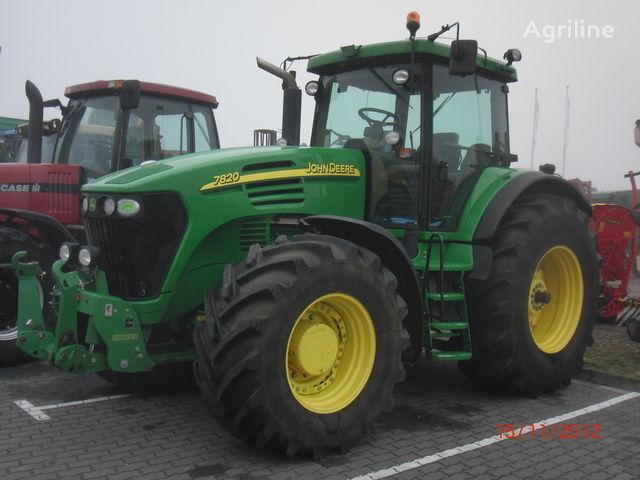 трактор колесный JOHN DEERE 7820