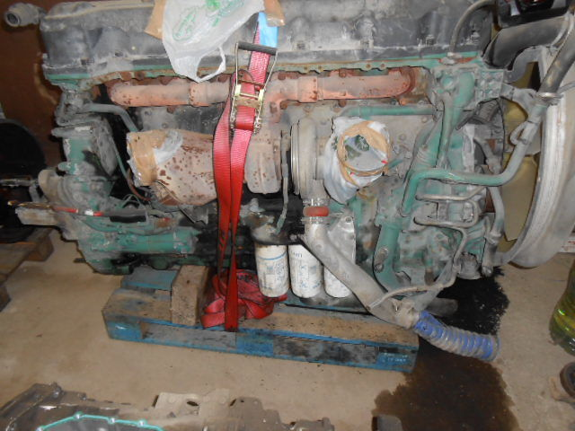 двигатель  D13A480EC01 VOLVO ENGINE KW353/480 cm³ 12780 для тягача VOLVO FH13 440/480