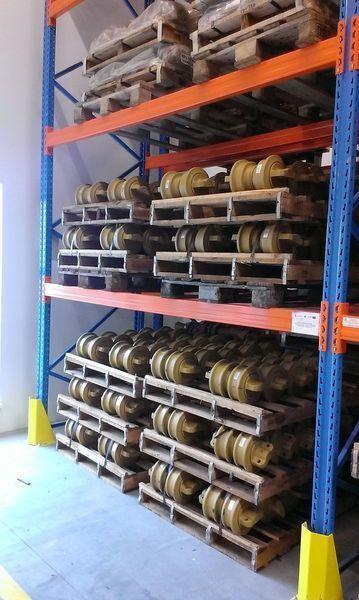 новый каток опорный  HITACHI цепь, направляющие колеса для экскаватора HITACHI 120,130,135,160,180,200,210,225,240,250,300,330,350