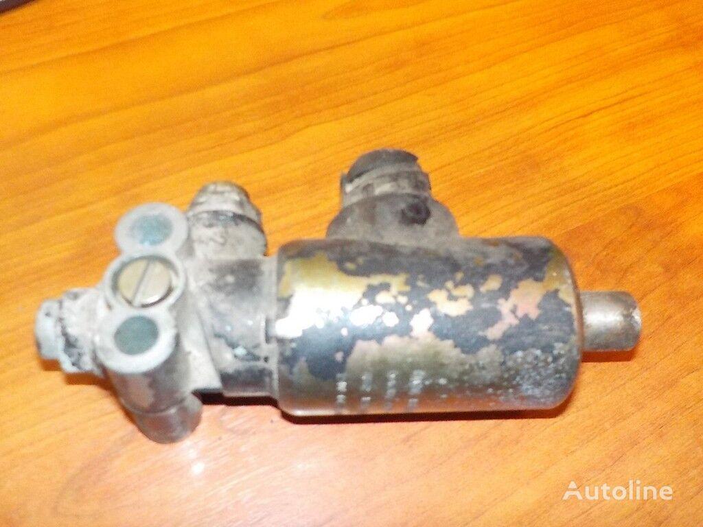 клапан  Электромагнитный клапан КПП MAN для грузовика