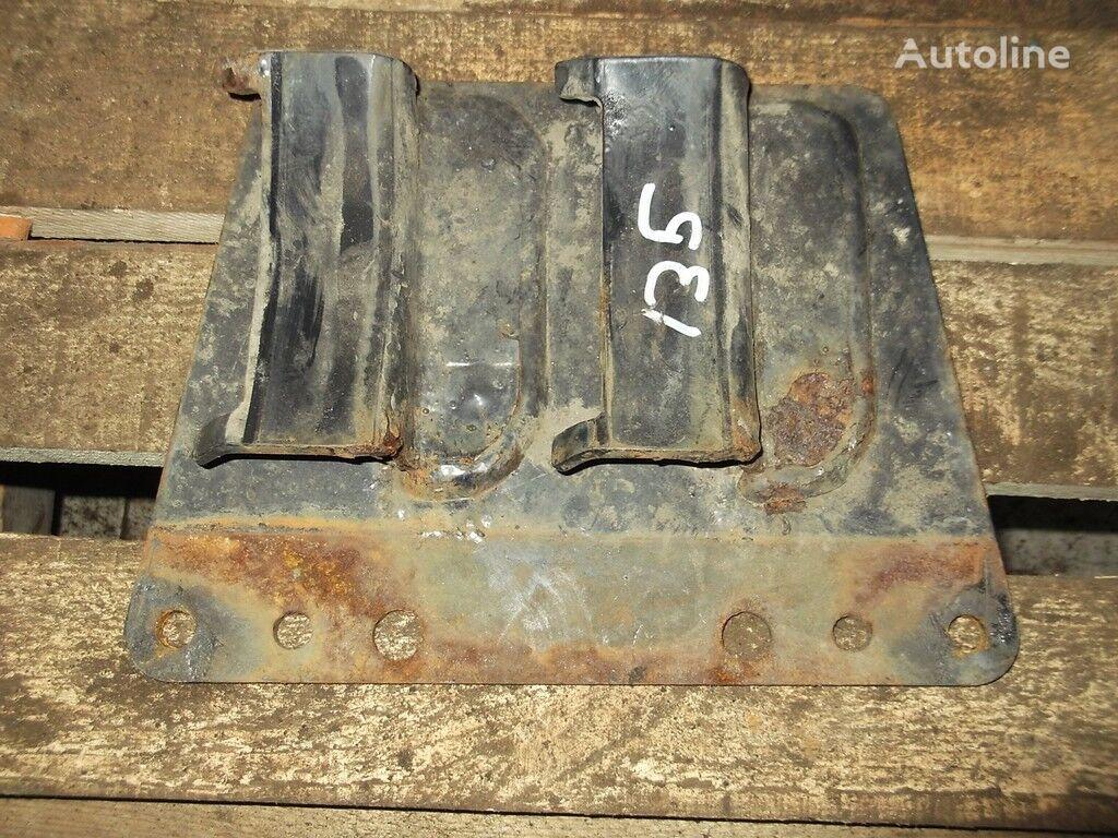 крепежные элементы  Кронштейн рессивера для грузовика