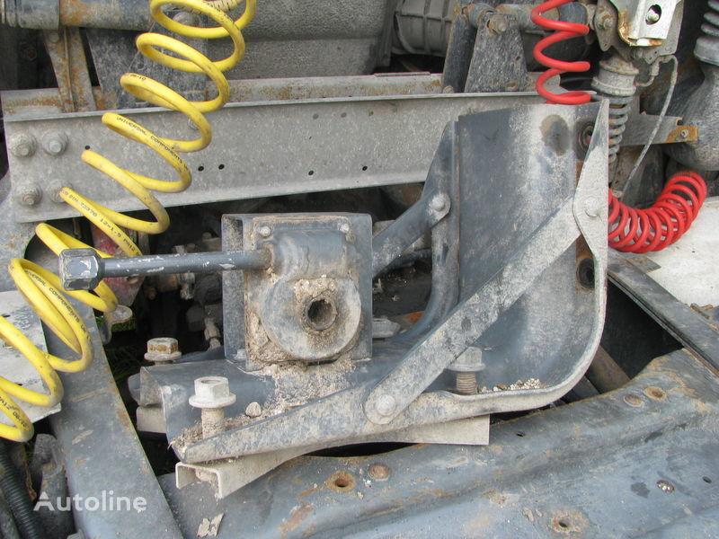 крепежные элементы  Кронштейн запаски для тягача DAF
