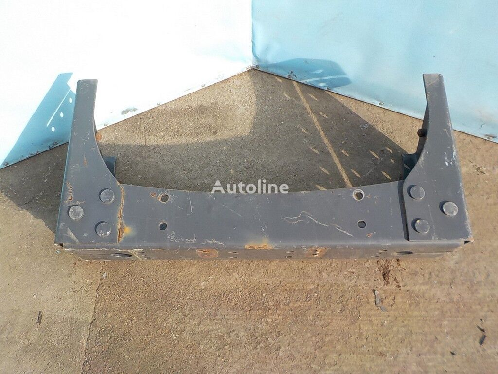 крепежные элементы  Траверса рамы поперечная для грузовика RENAULT
