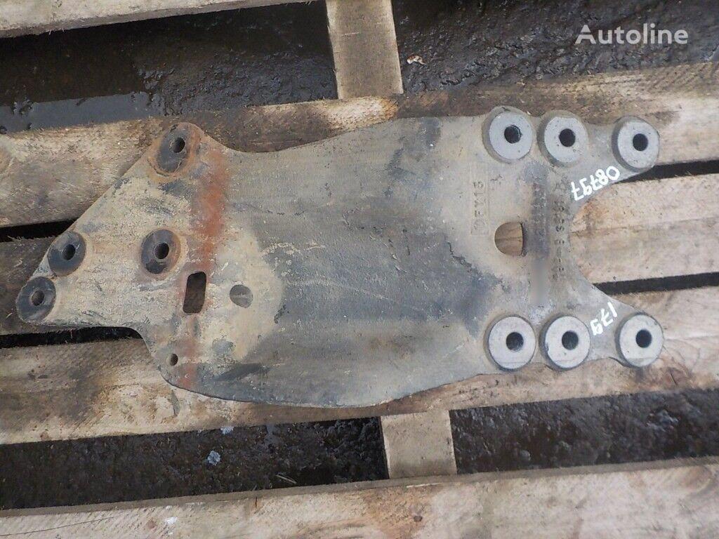 крепежные элементы  Кронштейн отводной трубы для грузовика SCANIA
