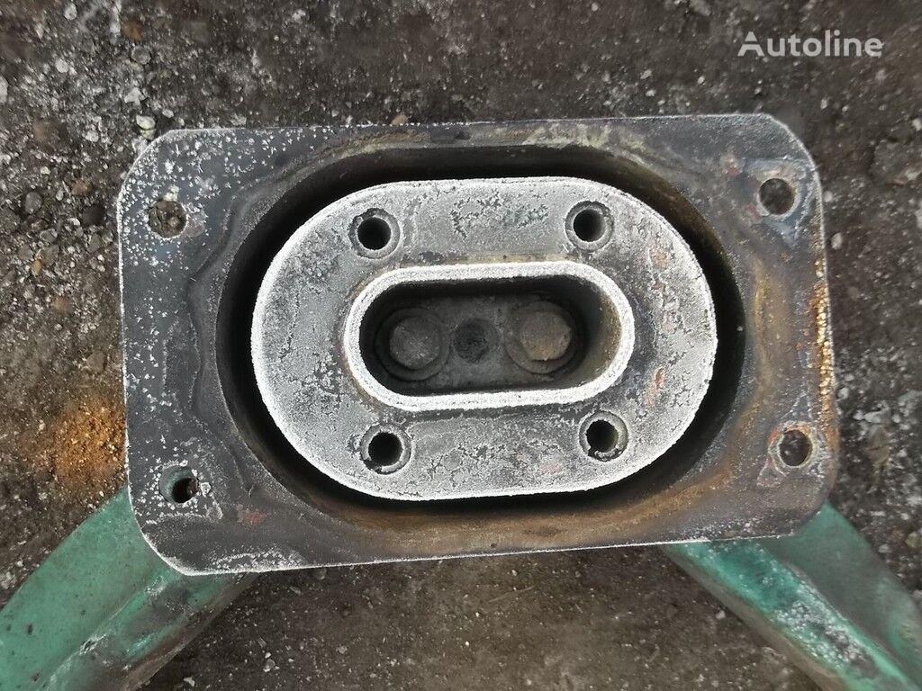 крепежные элементы  Volvo Кронштейн двигателя для грузовика VOLVO