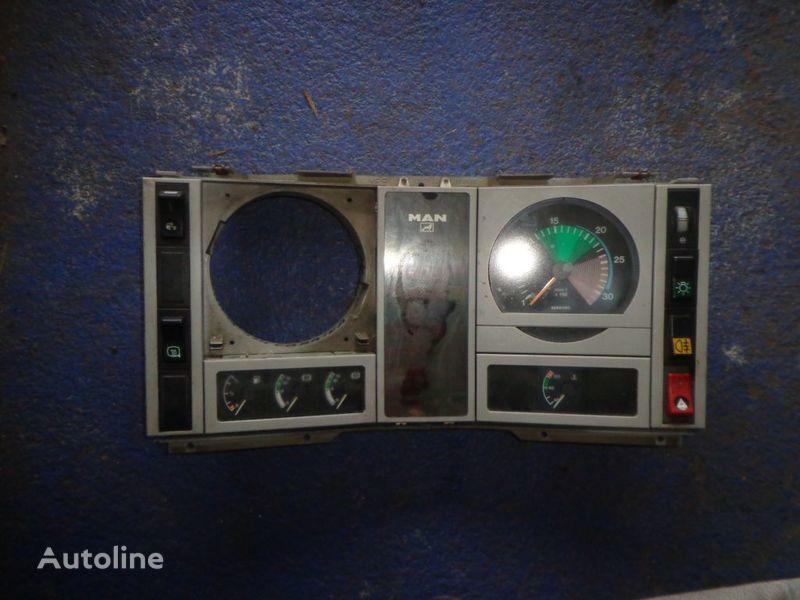 панель приборов для грузовика MAN 18