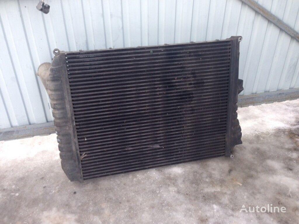радиатор охлаждения двигателя  Интеркулер Volvo (907x728x63) для грузовика
