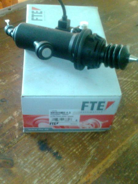 новое сцепление  FTE Цилиндр MKG2385243      81307156154 для тягача MAN TGA