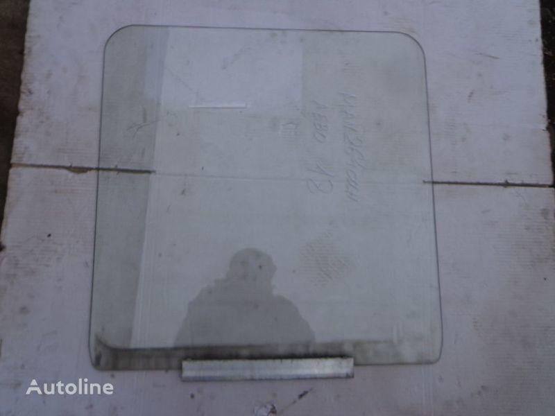 стекло  подъемное для грузовика MAN 14, 25, ME, M2000