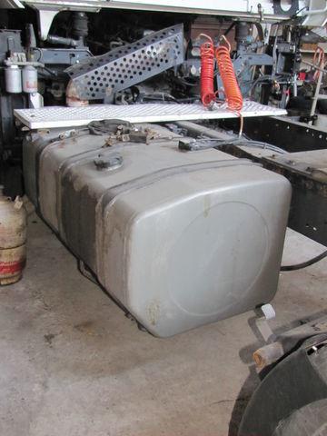 топливный бак для тягача RENAULT MAGNUM