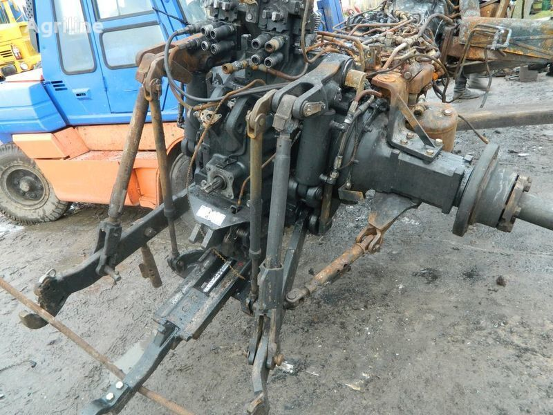 запчасти  б/у запчасти / used spare parts для трактора NEW HOLLAND T7030