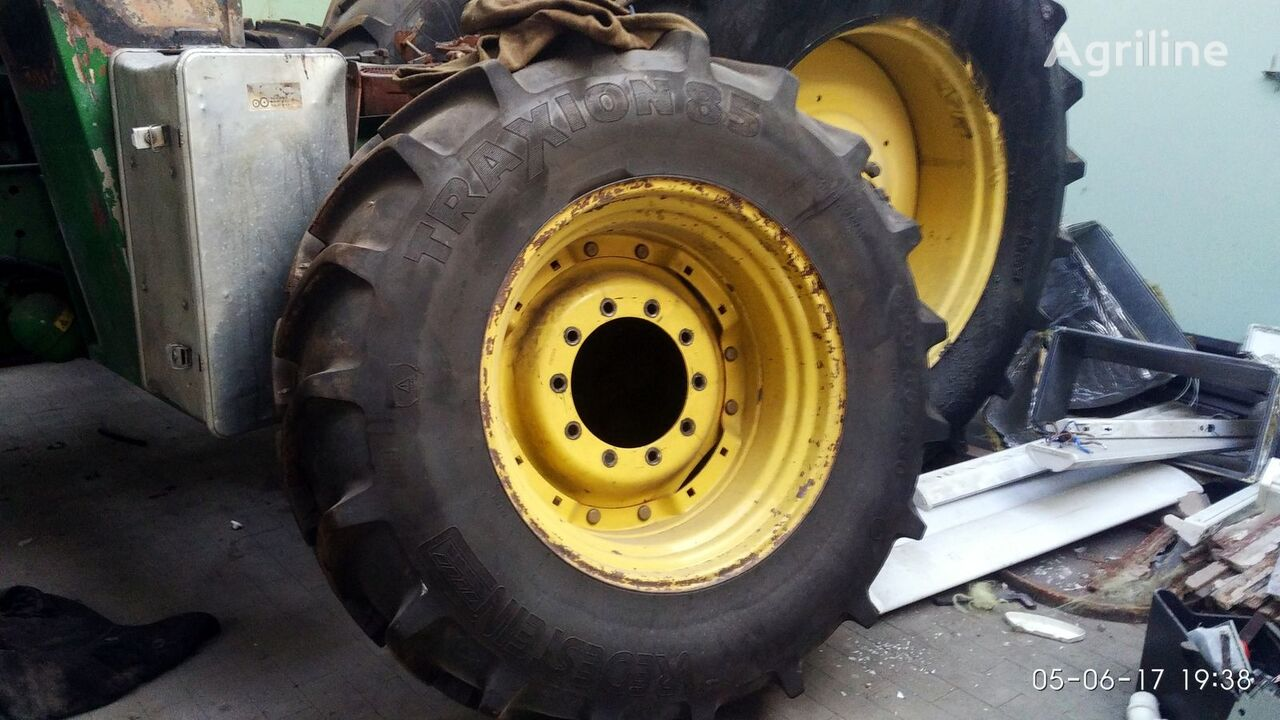 трактор колесный JOHN DEERE 7810 после аварии