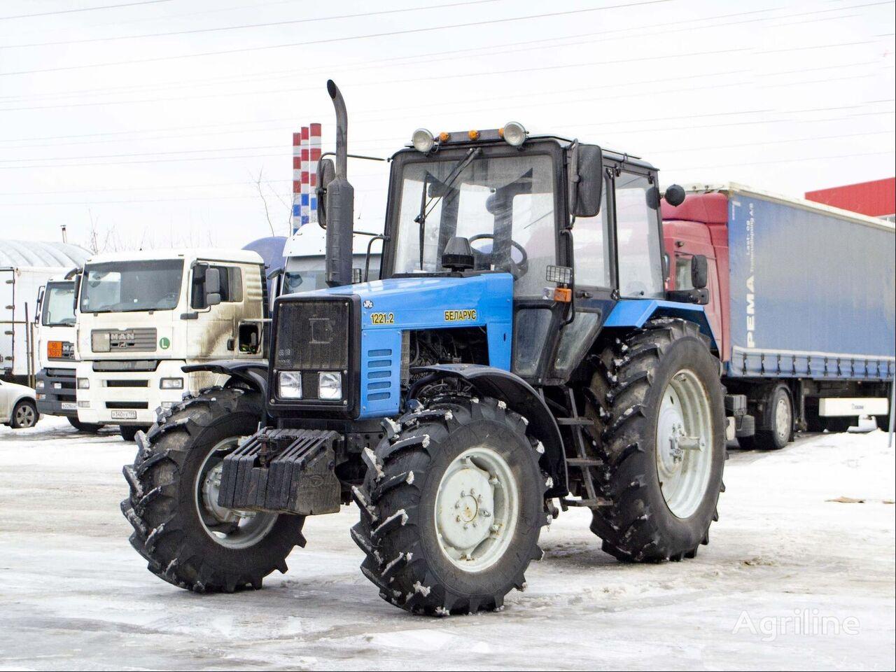 новый трактор колесный МТЗ Беларус 1221.2