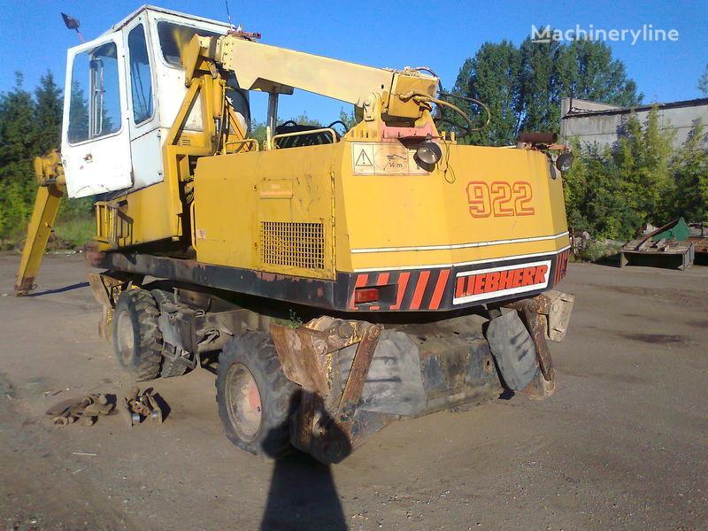 колесный экскаватор LIEBHERR 922 по запчастям