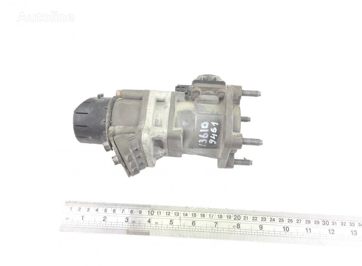 главный тормозной цилиндр RENAULT (K040158) для тягача RENAULT Magnum Dxi (2005-2013)