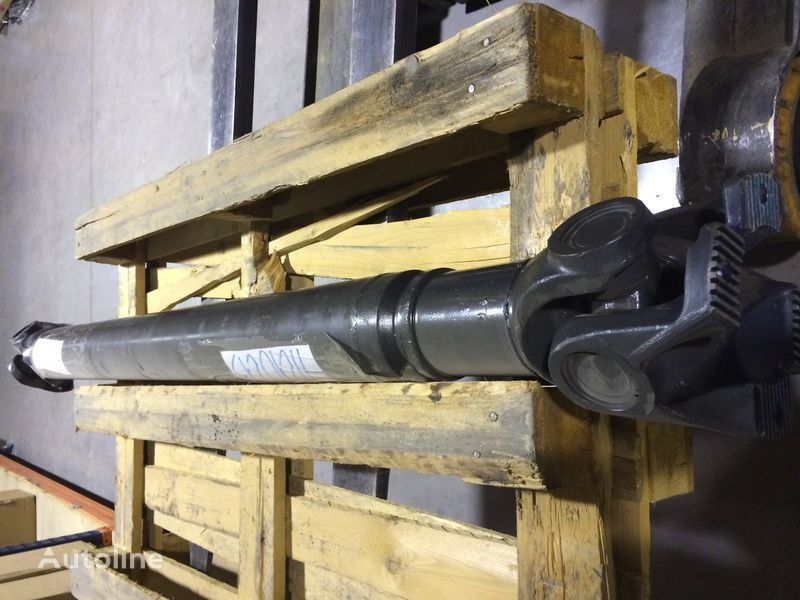 новый карданный вал  GKN для тягача IVECO STRALIS Y TRAKKER
