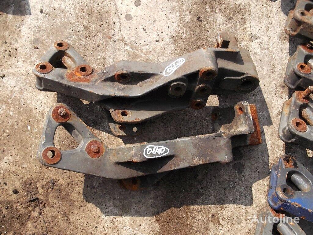 крепежные элементы  Задний кронштейн рессоры для грузовика