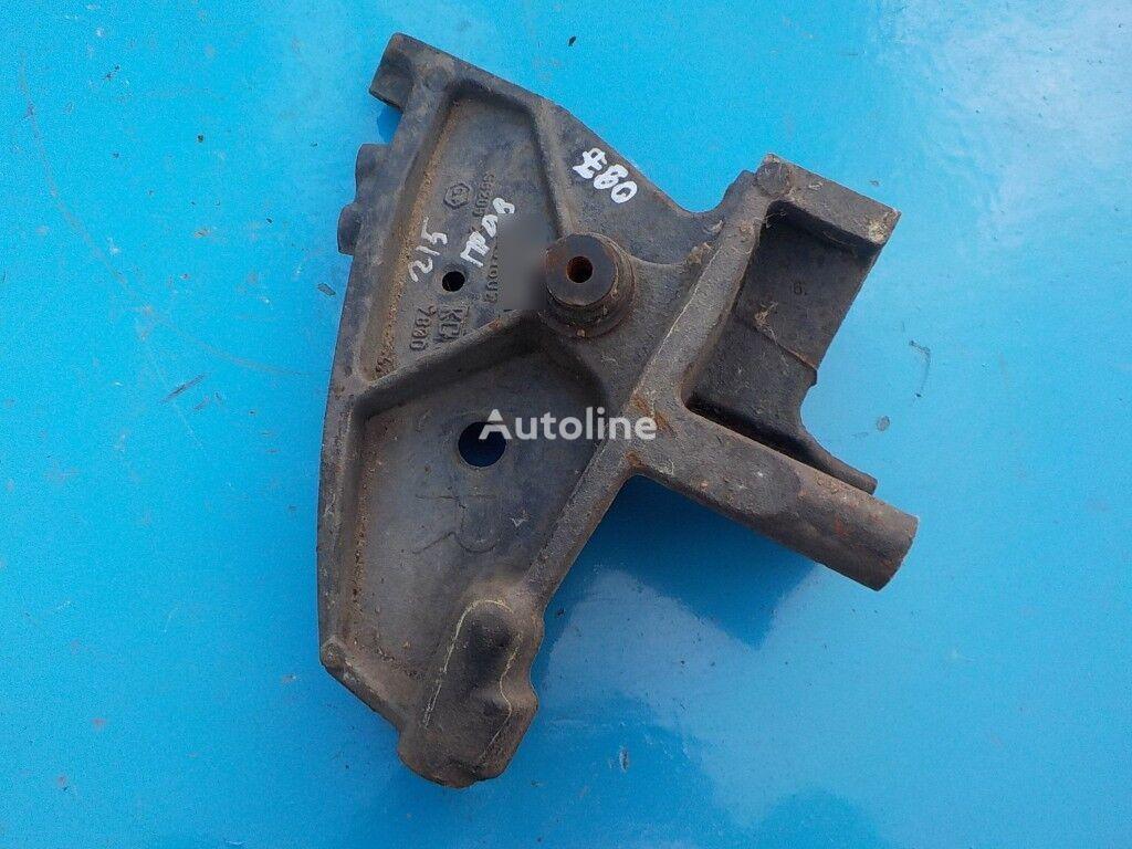 крепежные элементы  переднего бампера для грузовика