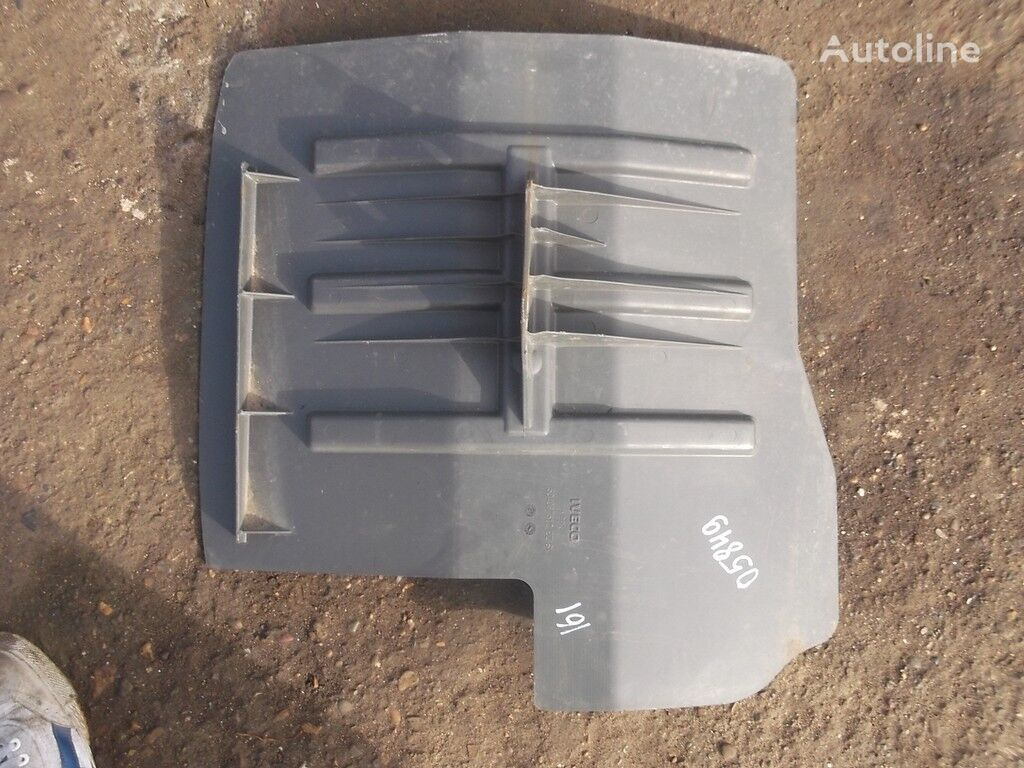 крыло  Подкрылок LH для грузовика IVECO