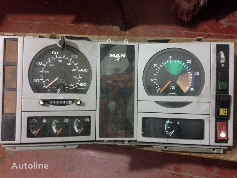 панель приборов для грузовика MAN  L2000