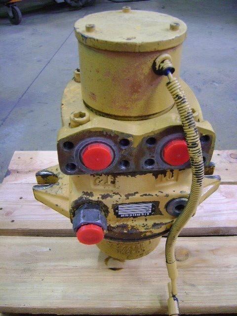 поворотный редуктор  Motore di rotazione для другой спецтехники LIEBHERR