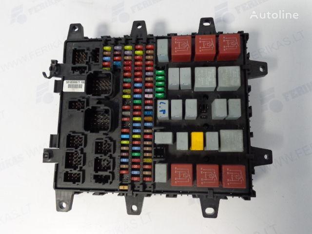 предохранительная коробка RENAULT Fuse protection box 7421464562, 7421169993, 5010590677, 74210795 для тягача RENAULT
