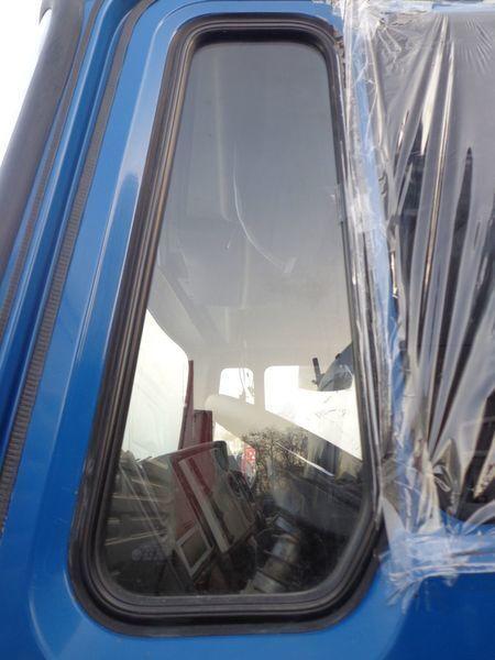 стекло  неподъемное для грузовика MAN 14